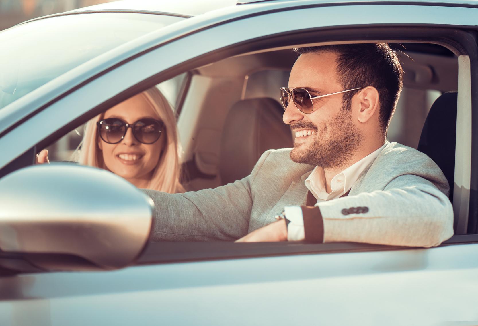 Sonnenbrillen für Autofahrer müssen verkehrstauglich sein
